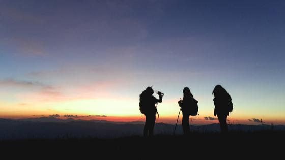 5 Dicas para antes de viajar - companhia; amigos